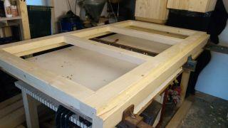 (05) Březen - Výroba futer a dveří úložné boudy pro 1. stanoviště