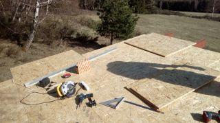 (15) Březen - Stavba úložné boudy pro 1. stanoviště (1.den stavby)