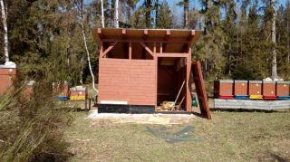 (17) Březen - Stavba úložné boudy pro 1. stanoviště (2.den stavby)
