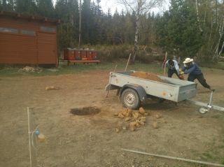 (04) Duben - Příprava na betonování podstavců pro kláty
